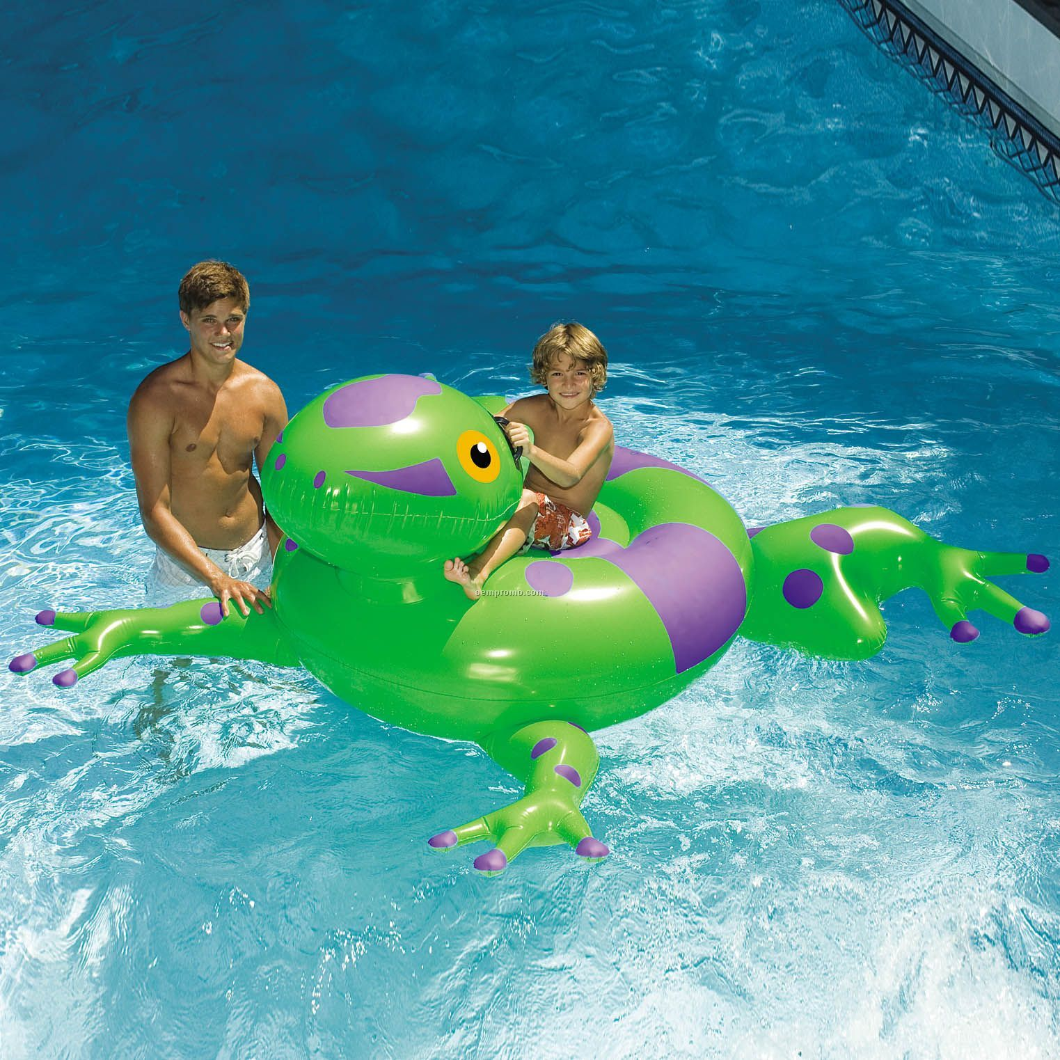 Swimline giant inflatable frog ride on china wholesale for Huge inflatable swimming pool